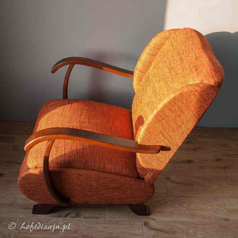 Fotel Uszak pomarańczowy po renowacji