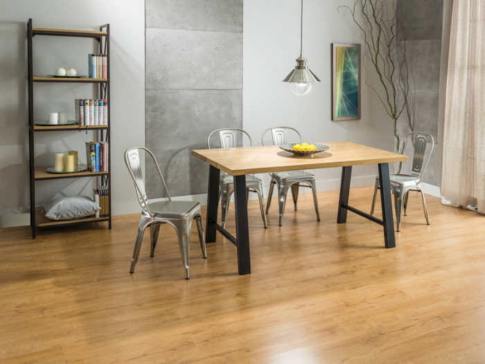 stół industrialny do przestrzeni loft