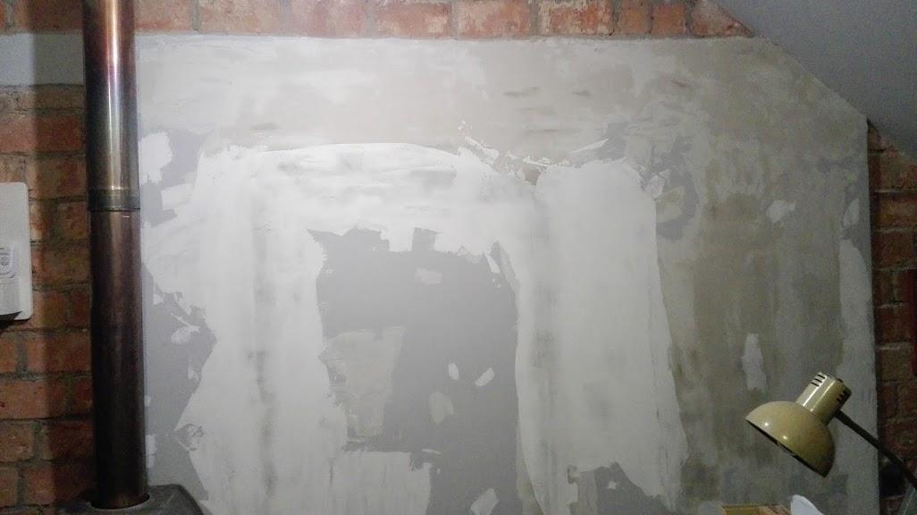 Jak położyć gładź na ścianie i suficie?