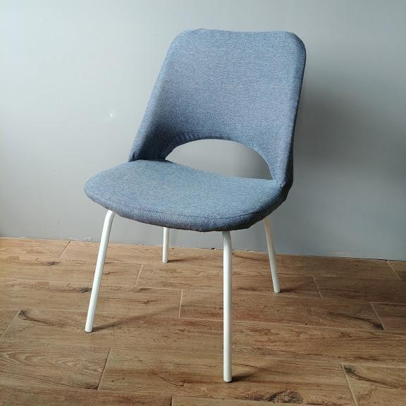 niebieskie krzesła do salonu meblomet