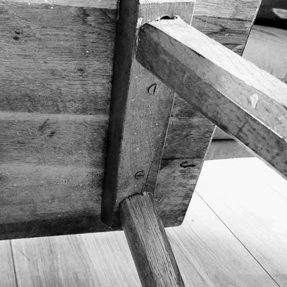 ocena stanu krzesła do renowacji