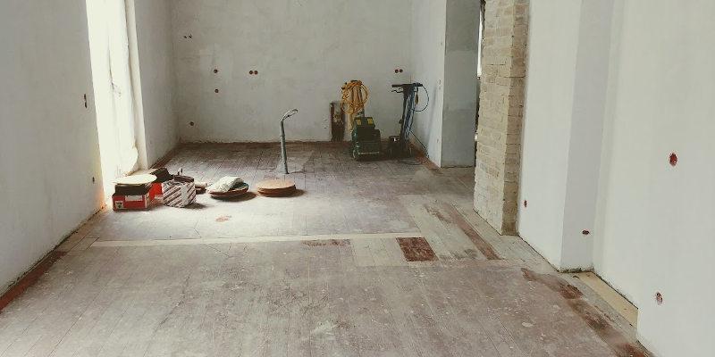 Niezbędne maszyny do cyklinowania podłogi