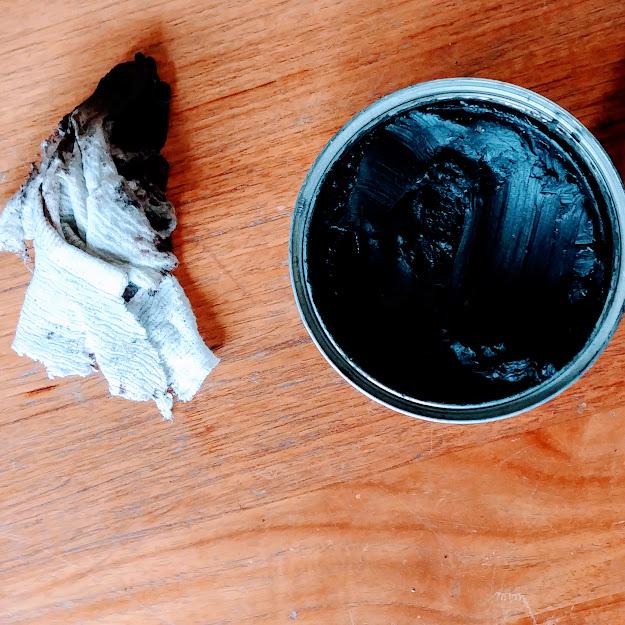 konserwacja mebli woskiem